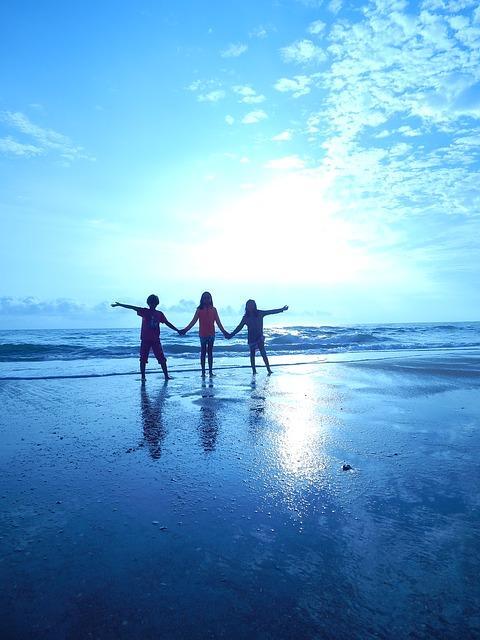 Beach-friends-sirimiri