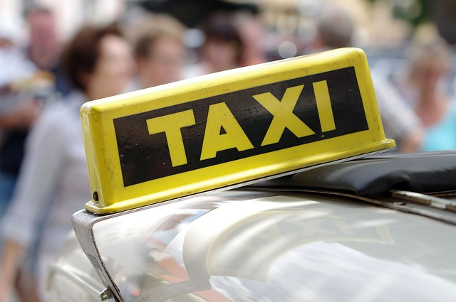 Taxi-Airport-Cabs-Savaari-Sirimiri